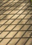 Schatten auf Steg Lizenzfreies Stockfoto