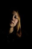 Schatten-Gesicht nach rechts gekippt Lizenzfreie Stockbilder