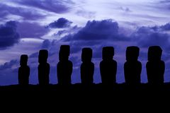 Schattenbild Ahu Tongariki lizenzfreie stockfotos