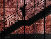 Schattenbild auf Treppenhaus Stockfotos