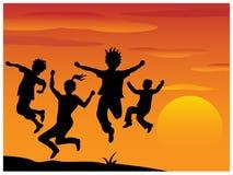 Schattenbild, das Kinder spielt Stockbilder