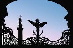 Schattenbild der Einsiedlerei und der Anziehungskräfte im St. Petersburg Lizenzfreies Stockfoto