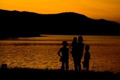 Schattenbild der Familie Stockbilder