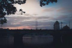 Schattenbild der Legionsbrücke Prag, Tschechische Republik Stockbilder