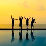 Schattenbild der Liebe durch Körperaktion mit vier Leuten Lizenzfreies Stockbild