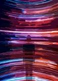 Schattenbild der Person auf Spuren des Lichtes stockbilder