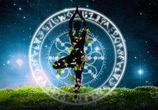 Schattenbild der Yogastellung Stockbilder