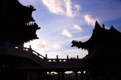 Schattenbild des chinesischen Tempels stockfotografie