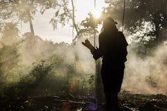 Schattenbild des Fotografen in der Natur Lizenzfreies Stockbild