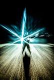 Schattenbild des Mannes mit abstrakten Lichteffekten Stockbilder