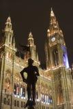 Schattenbild des Ritters im Wien-Rathaus Lizenzfreies Stockbild