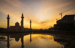 Schattenbild des Tengku Ampuan Jemaah Mosque Stockfotografie