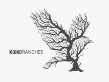 Schattenbild des Vogels von den Niederlassungen des Baums Lizenzfreies Stockfoto