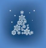 Schattenbild des Weihnachtsbaums gebildet durch Schneeflocken Lizenzfreie Stockfotos