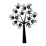 Schattenbild eines Baums mit handprints Stockbilder