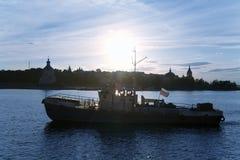 Schattenbild eines Bootes lizenzfreie stockfotos