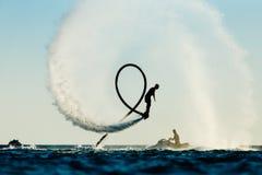 Schattenbild eines Fliegenbrettreiters lizenzfreies stockfoto