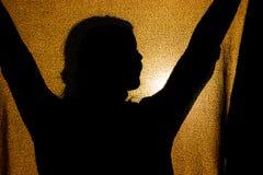 Schattenbild eines Mädchens auf einer Decke stockfotos