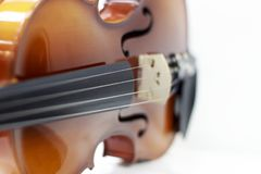 Schattenbild eines selektiven Fokus der Violine lizenzfreies stockfoto
