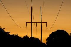 Schattenbild elektrische Polen Stockbild