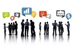 Schattenbild-Gruppe Geschäftsleute mit Sprache-Blasen Lizenzfreie Stockbilder