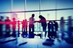 Schattenbild-Leute, die Stadtbild Team Concept treffen Stockbild