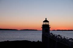 Schattenbild Marshall Point Lighthouses auf einem Wintersonnenuntergang Stockfoto