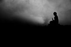 Schattenbild Tian Tan Buddha stockfotografie