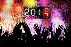 Schattenbild von den Handleuten, die das neue Jahr feiern Lizenzfreie Stockfotos