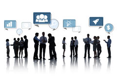 Schattenbild von Geschäftsleuten mit Sprache-Blasen Stockfotografie