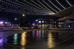 Schattenbild von Henley Beach-Pier und -quadrat an der Dämmerung lizenzfreie stockfotografie