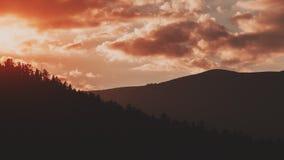Schattenbild von zwei Berghängen Lizenzfreie Stockfotografie