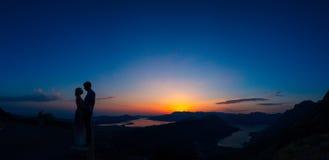 Schattenbilder bei Sonnenuntergang auf Berg Lovcen Stockfotografie