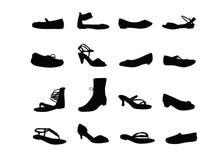 Schattenbilder der beiläufigen Schuhe der Frauen Stockfotos