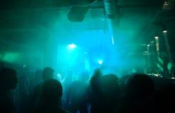 Schattenbilder der Tanzenleute Lizenzfreie Stockfotografie