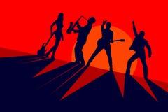 Schattenbilder einer Band der Musiker auf einem roten Hintergrund Stockfotografie