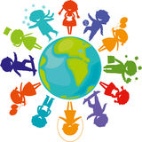 Schattenbilder, Kinder um Welt Stockbild