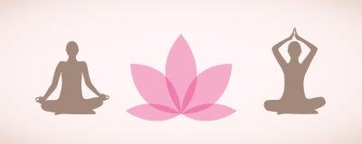Schattenbilder von den Leuten, die im Yoga sitzen, werfen für Entspannung und Meditation mit rosa Lilienblume auf stock abbildung