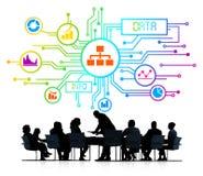 Schattenbilder von Geschäftsleuten und von Daten-Konzepten Stockfoto