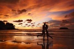 Schattenbilder von Liebhabern Stockfoto