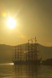 Schattenbilder von Weinlesesegelschiffen Stockfoto