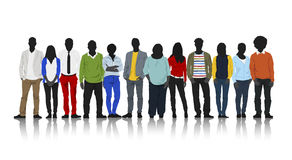 Schattenbilder von zufälligen Leuten mit bunter Kleidung Lizenzfreie Stockbilder