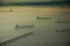 SchattenbildFrachtschiff Stockfoto