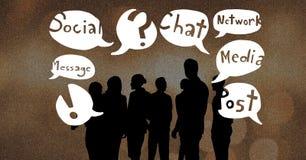 Schattenbildleute mit Chatblasen Lizenzfreie Stockfotos