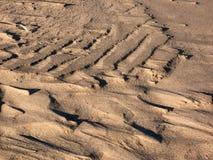 Schattenspiel auf Sanddüne Stockfotos
