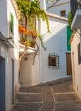 Schattige Straße in Pampaneira, Andalusien, Spanien Stockfotos