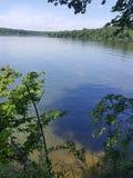 Schauen über dem See Stockfoto