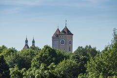 Schauen über den Dächern von Regensburg stockfotos