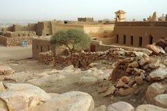 Schauen über der alten Stadt in Hombori Stockfoto