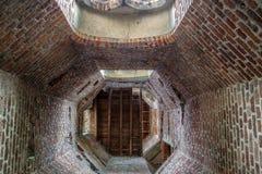 Schauen aufwärts inneren Schicht Marnet-Turms stockbild
